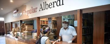 La Biblioteca Alberdi renace desde el polvo y la clausura