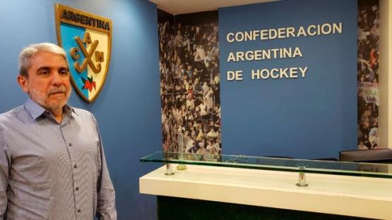 Aníbal Fernández fue electo presidente de la Confederación Argentina de Hockey