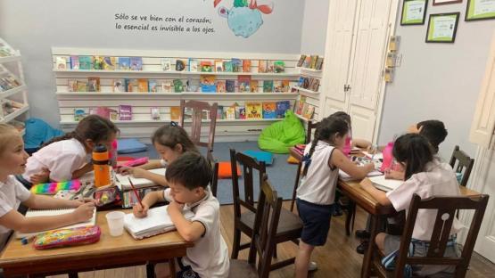 Los chats de madres y padres y la vacunación en escuelas: ¿cómo hablar con nuestros hijos?
